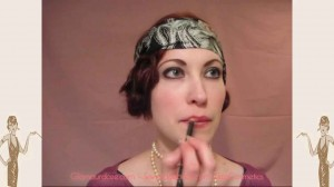 flapper-lips---a-quick-1920s-makeup-tutorial5---fill-in-with-lip-liner