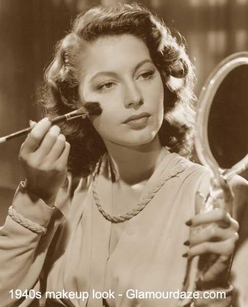ava-gardner-apllys-makeup-1940s