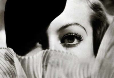 Joan-Crawford's-Beauty-Tricks---by-Max-Factor---eyes---1934