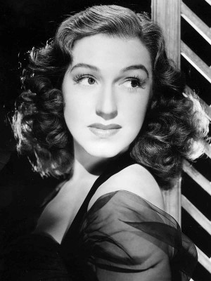 Risë-Stevens---1940s-opera-singer-and-actress-beauty