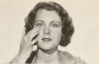 1930s-Beauty-School---Alluring-Eyes - Francis Dee