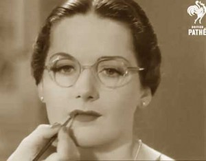 Hollywood-Eyebrows-1930s-Makeup-Tutorial--Glasses--lips