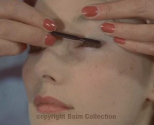 7-1960s-makeup-tutorial-mascara2