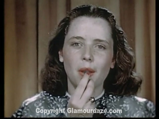 Vintage-1940s-makeup-tutorial-5--lipstick1