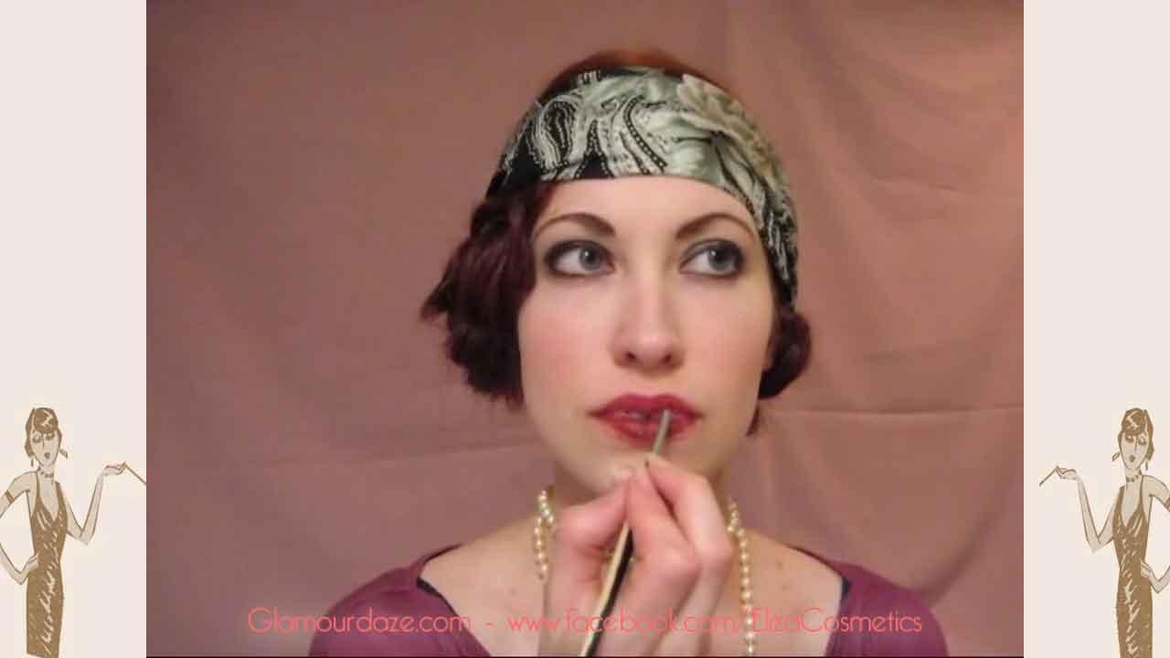 flapper-lips---a-quick-1920s-makeup-tutorial6---apply-deep1920s-shade-lipstick
