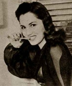1940s-Dental-beauty-Tips1