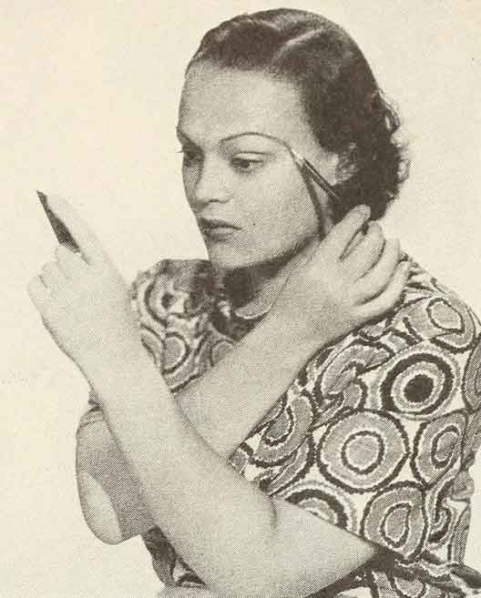 The-Secrets-of-applying-1930s-Eye-Makeup---brows