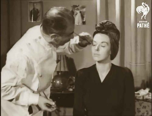 Secrets-of-Make-up-According-to-Pathe-News-1944-eyebrows