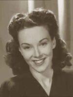 Secrets-of-Make-up-According-to-Pathe-News-1944